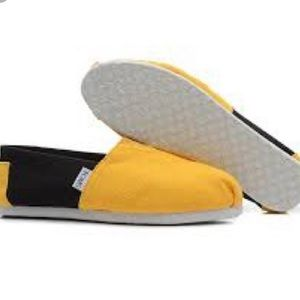Toms 8.5 Black and Yellow / Gold